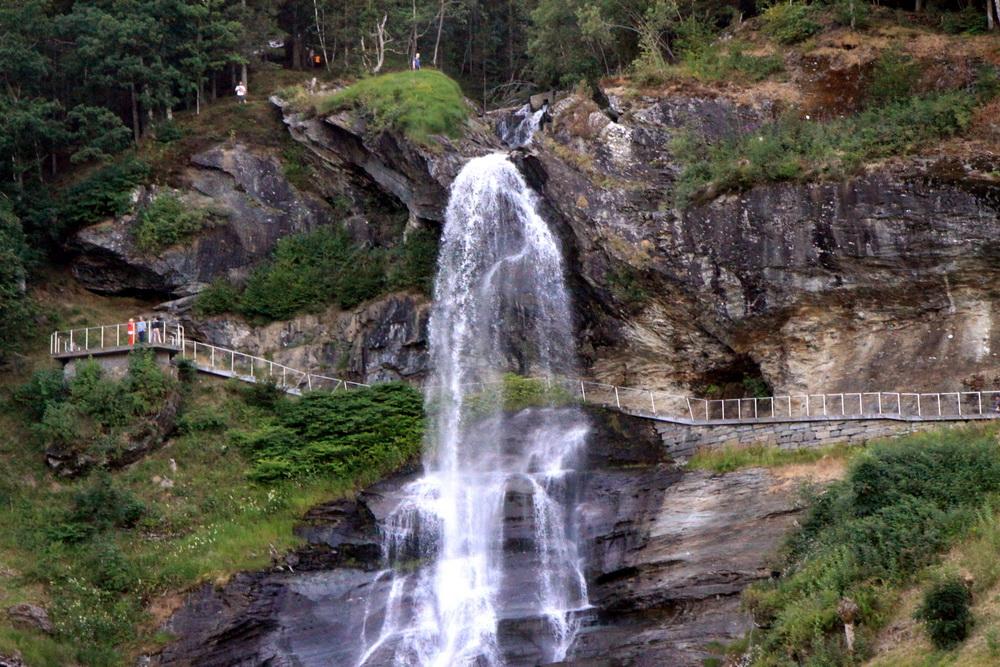 Норвегия. Norway. Водопад. Staindalsfossen